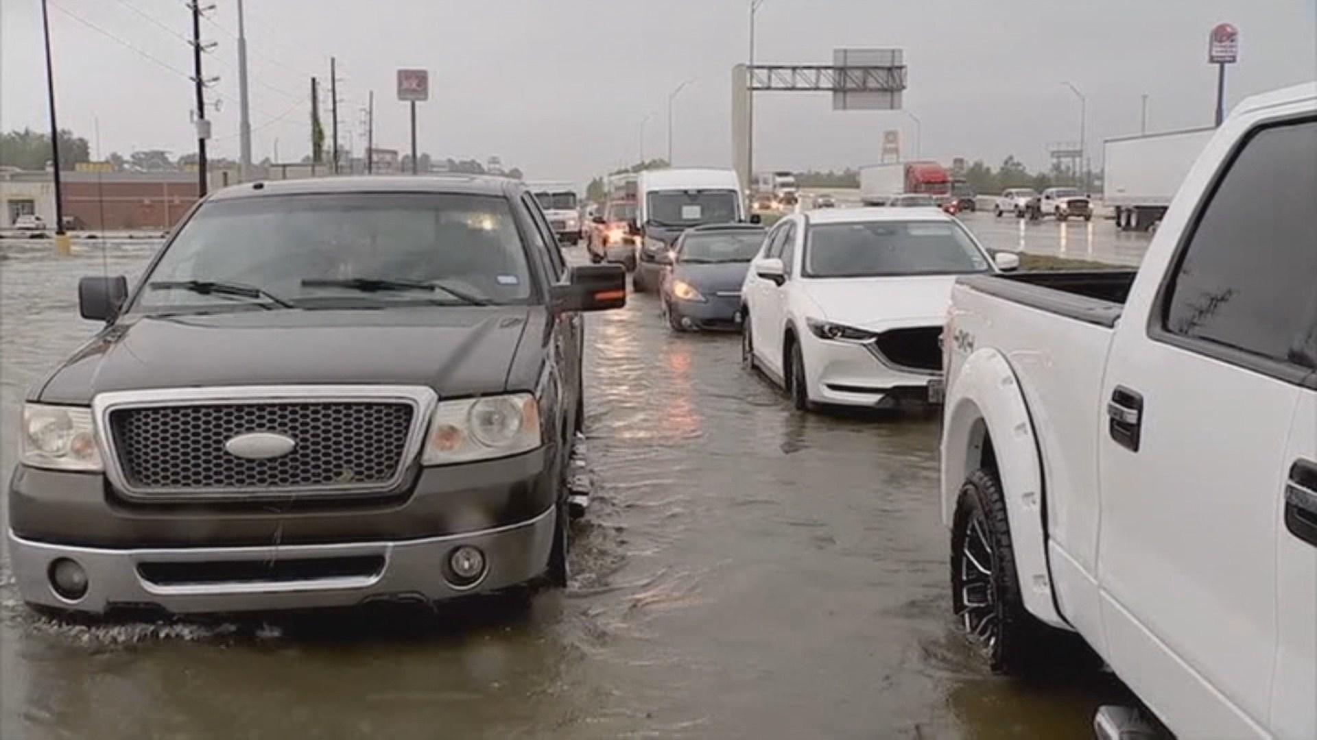 美텍사스주 남동부 폭우로 물바다…4명 사망·1천700명 구조