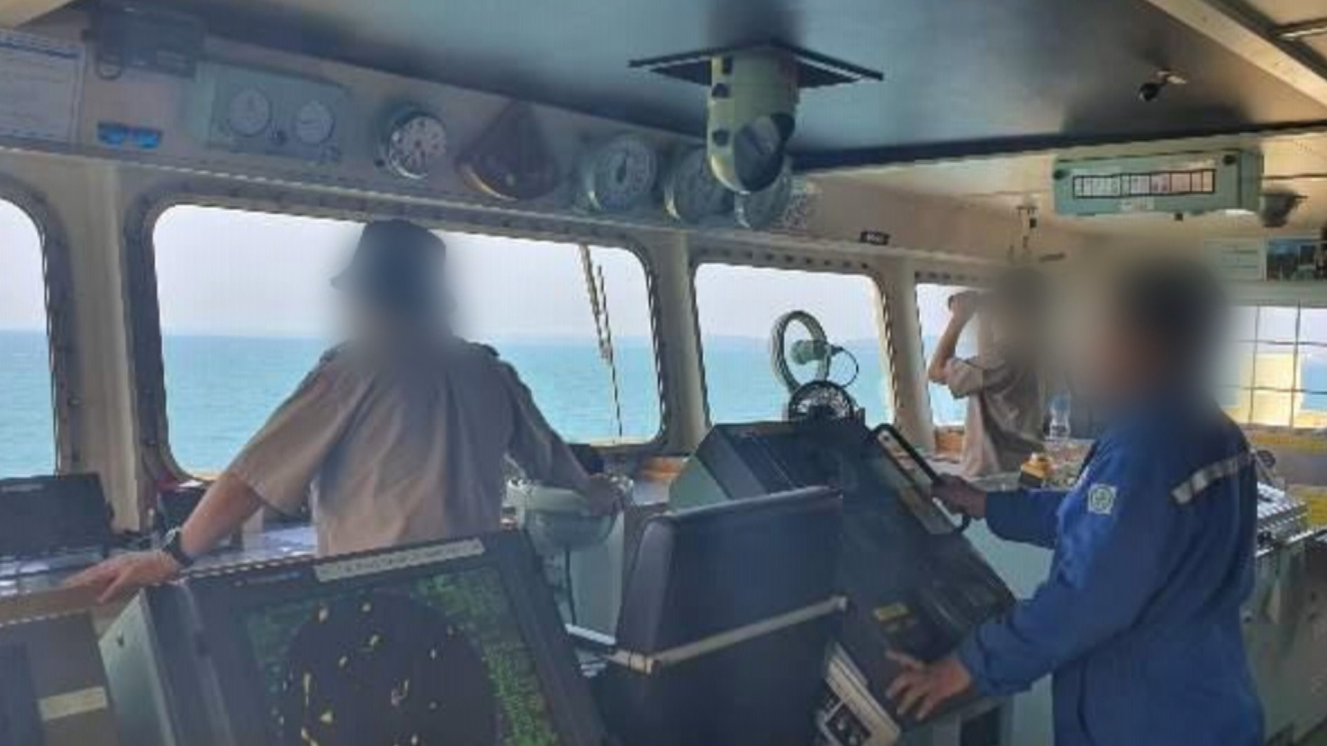 인니 억류 한국인 탑승 선박, 100일만에 풀려나