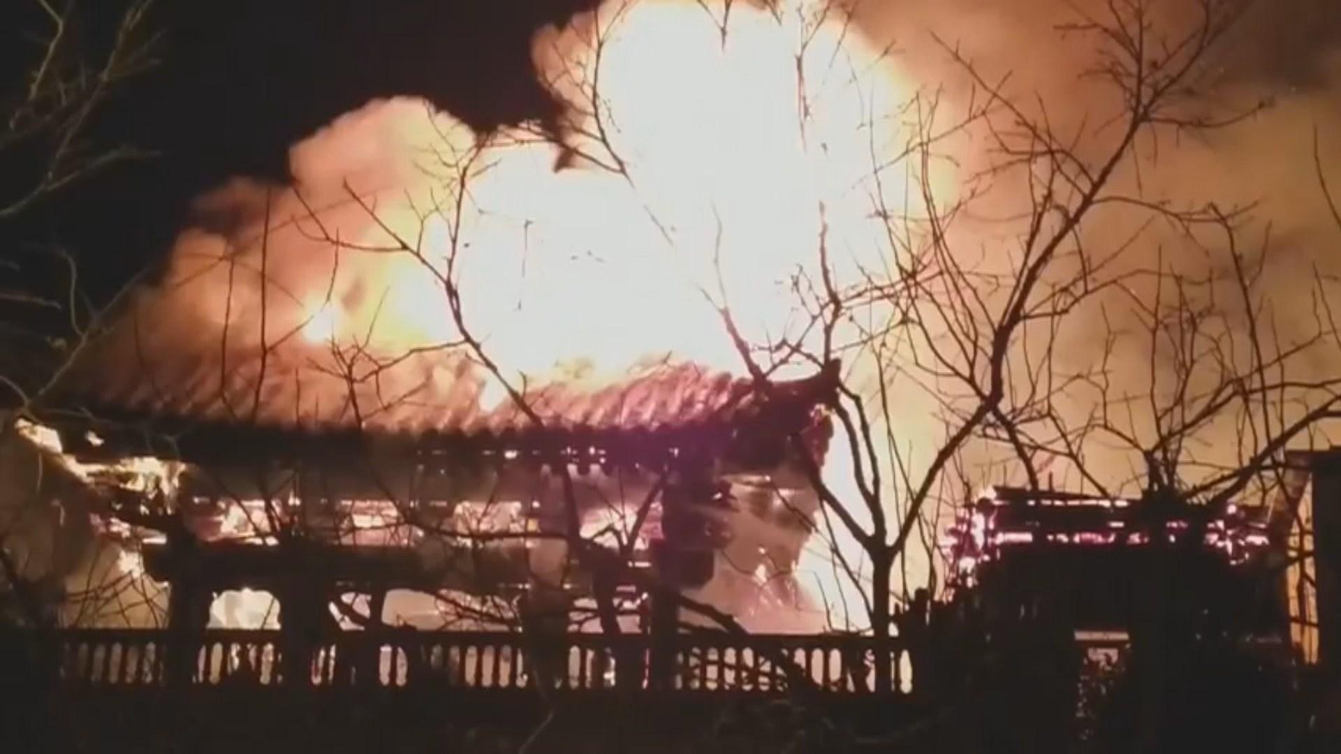 부산 목조사찰서 불…2개 동 태우고 1시간만 꺼져