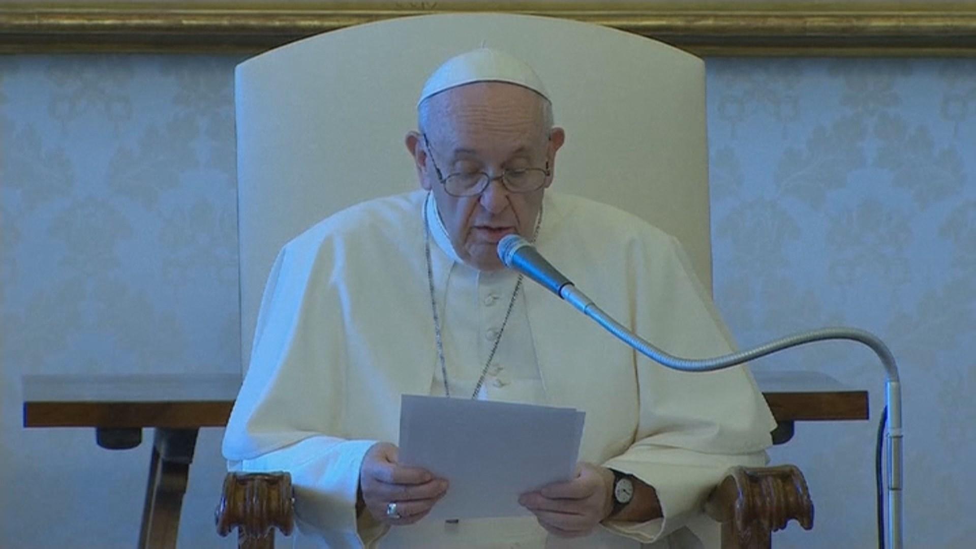 교황, 레바논 사고 피해자 지원에 3억5천만원 기부