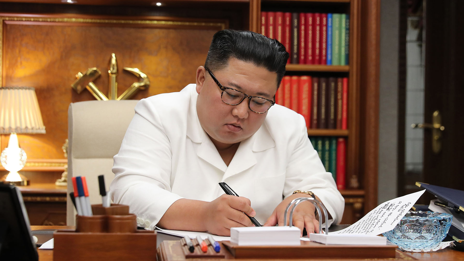 북한, 파격적인 '최고지도자 사과'…배경은 '삼중고'