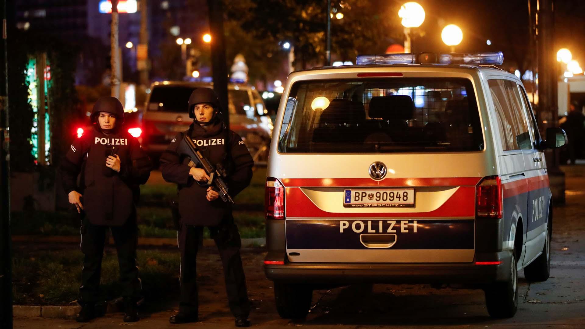 """스위스 경찰 """"빈 <em class='find'>총격</em> 테러 관련 2명 체포"""""""