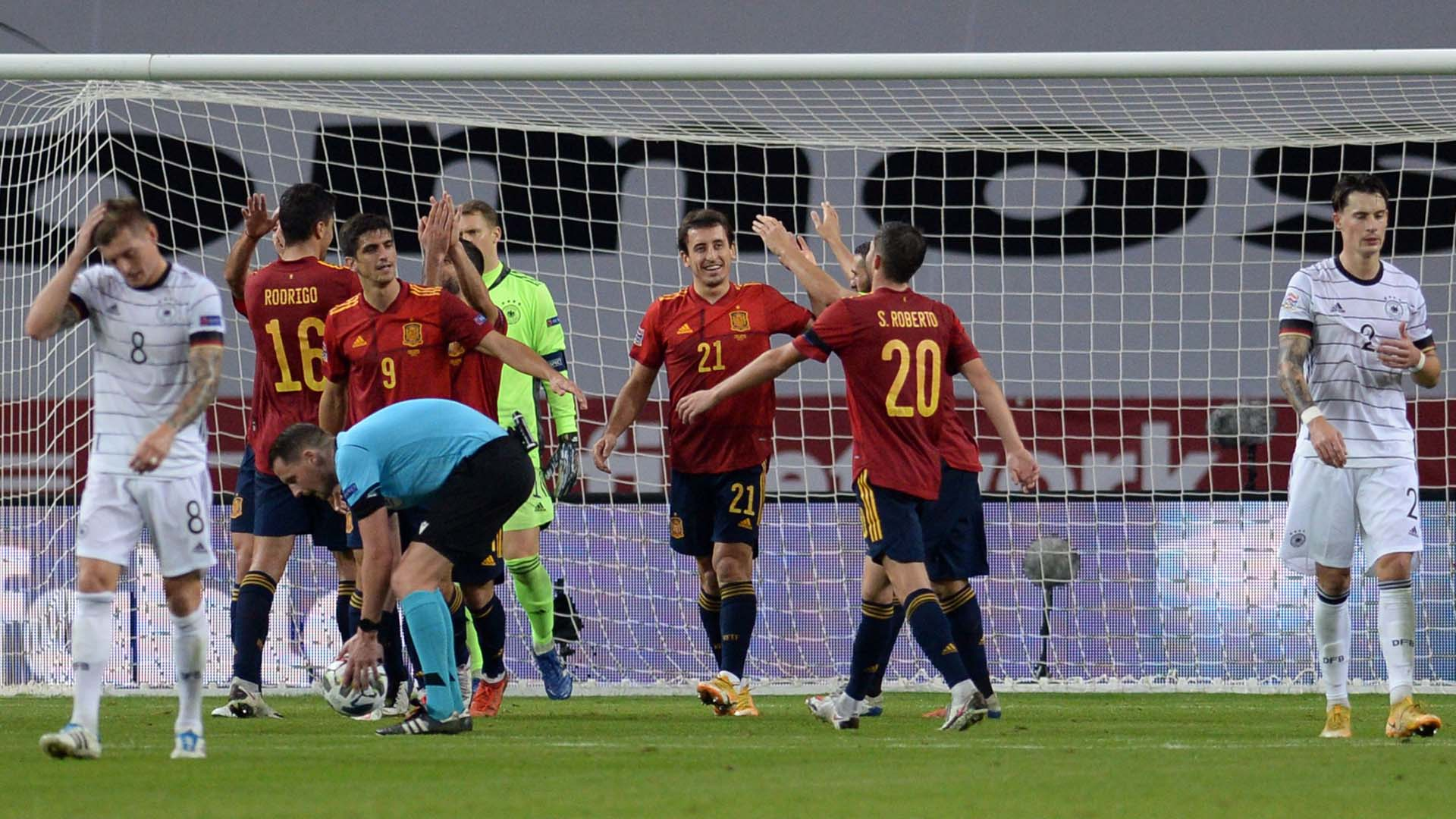 [해외축구] 독일, 89년 만의 굴욕…스페인에 0-6 완패