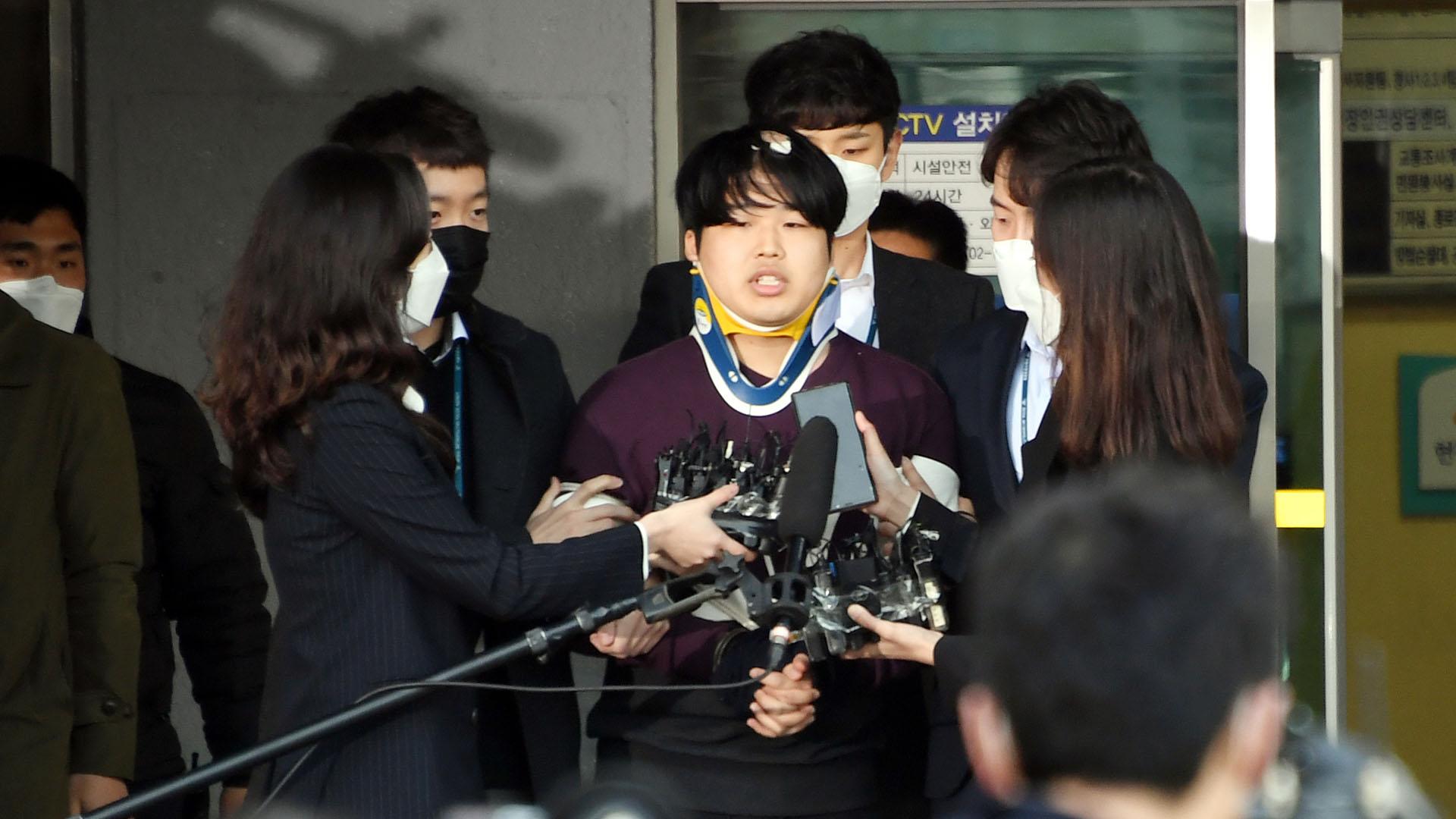조주빈 1심서 징역 40년…'박사방' 범죄집단 인정