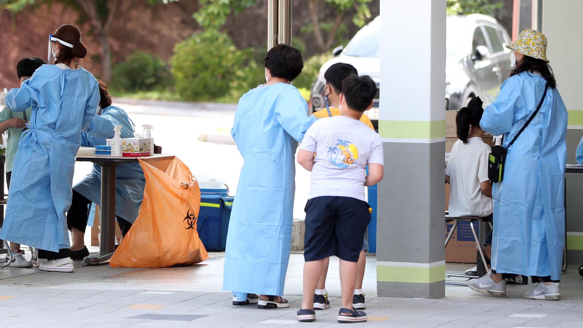 춘천 지역 초등학교서 이틀간 10명 무더기 확진