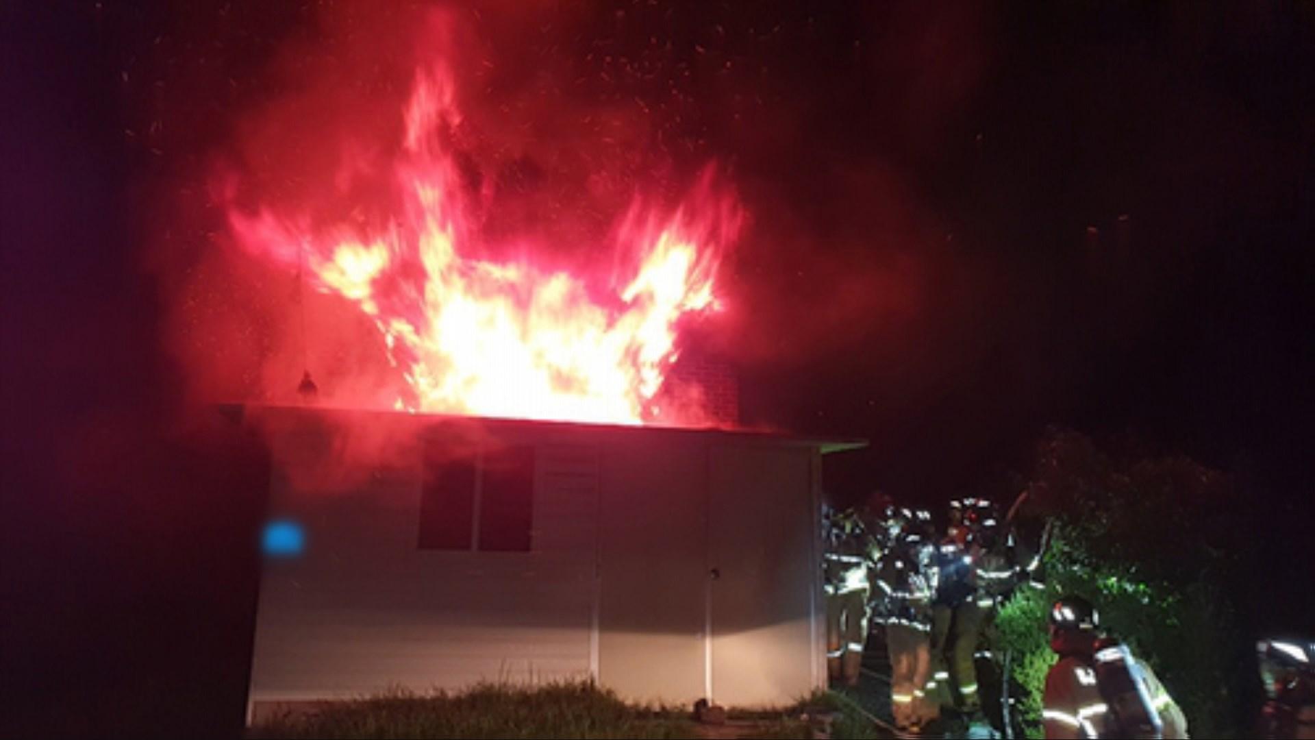 충남 아산 단독주택서 불…70대 거주자 숨져