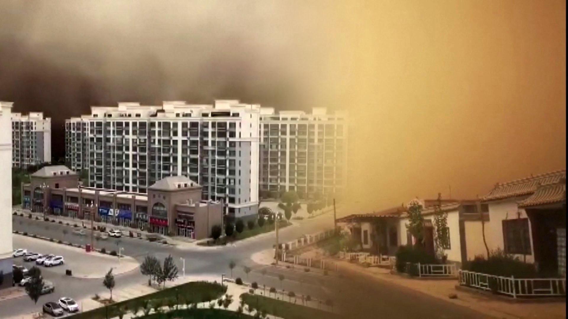 中아파트 단지 집어삼킨 모래폭풍…美에선 20중 추돌