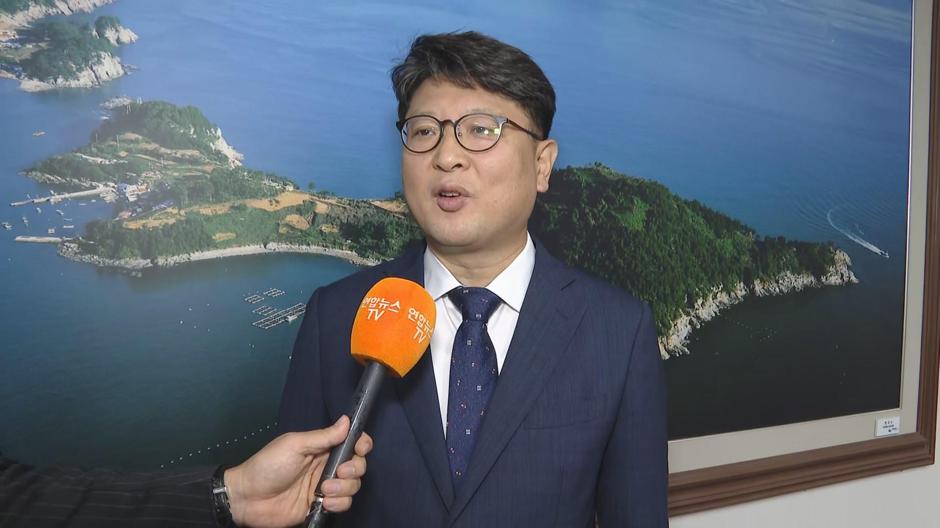 """[출근길 인터뷰] """"올해 단풍은 온라인으로 보세요""""…단체산행 자제 권고"""